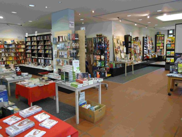 Bunter Bücher Laden in Bernhausen